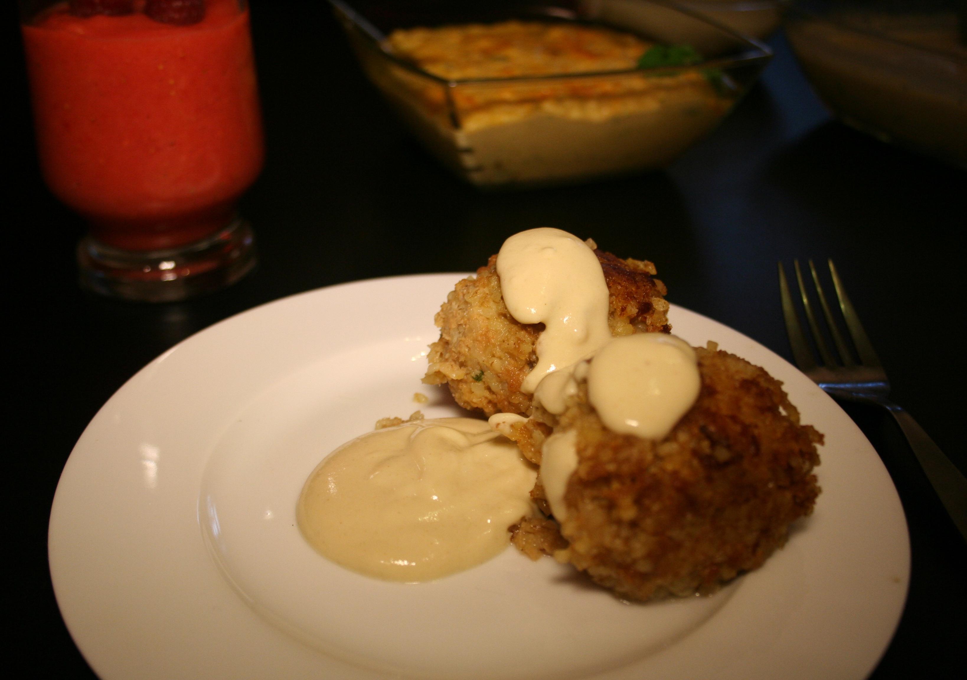 Kibbeh mit Zitronen-Tahini-Sauce