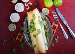 Vegane Chicken Taquitos mit Sour Cream Dip
