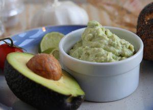 5 Minuten Avocado-Streich auf Brot oder als Dip