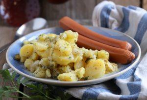 Schwäbischer Kartoffelsalat mit oder ohne Wiener