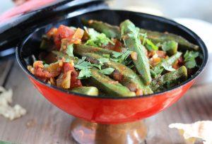 Masala Bhindi - Indisches Okraschoten-Curry