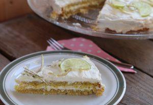 Limetten Layer Cake mit kandierten Limettenschalen