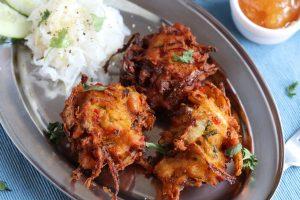Onion Bhajis: ein perfekter, indischer Snack!