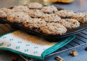 Süße Kürbis-Frischkäse-Muffins mit Nuss-Streuseln