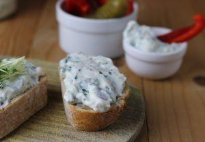 Kräuterquark -  lecker auf Brot, zu Backkartoffeln oder Ofengemüse