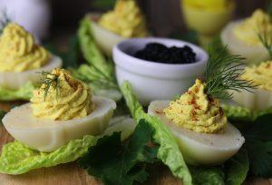 Vegane, gefüllte Eier