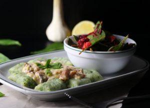 Bärlauch Gnocchi mit Käse-Knoblauch-Schinken-Soße