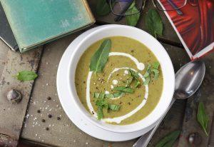 Sauerampfersuppe - selbst geerntet und gekocht