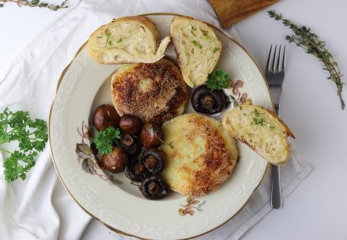 Gefüllte Kartoffeltaler mit Pilzen