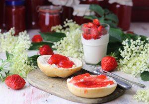 Holunderblüten-Erdbeer-Marmelade