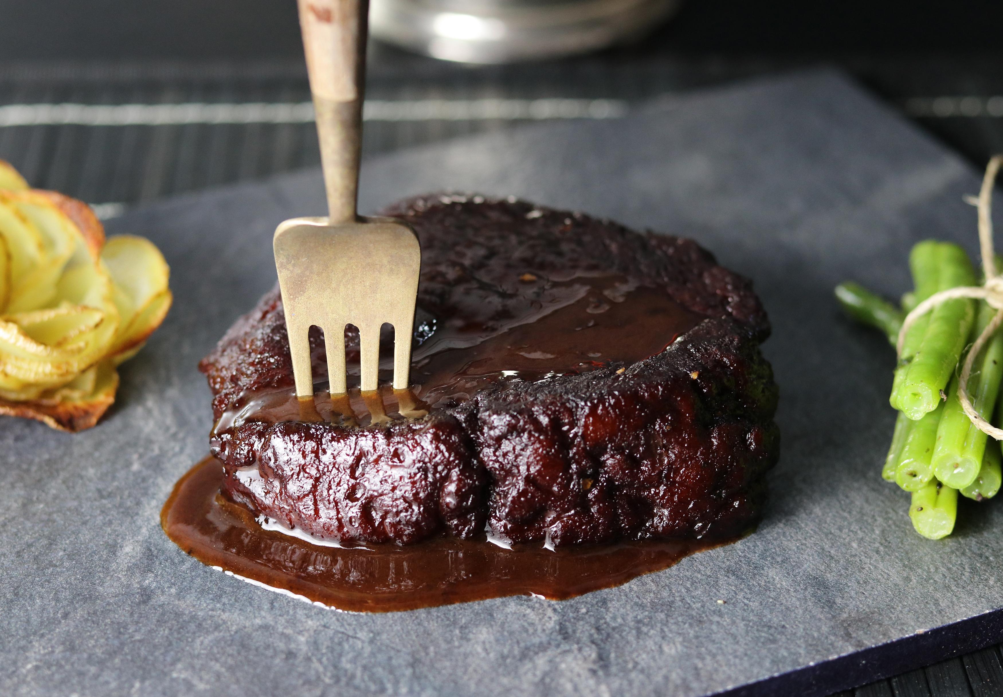 Seitan Steak mit Rotweinglasur