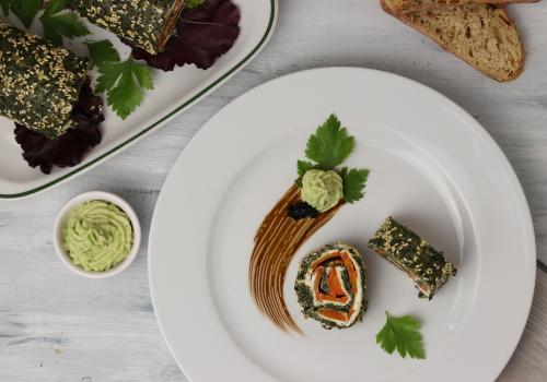 Mit Avocadcreme und veganem Kaviar