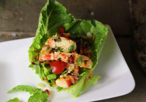 Yam Taleh - Thailändischer Salat mit veganen Garnelen