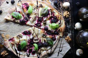 Pizza Bianca mit weißer Sauce