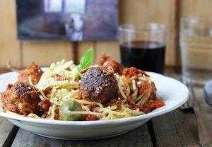 Spaghetti mit Vleischbällchen