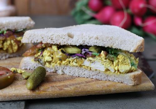 Saulecker im Sandwich