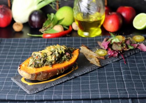 Lecker mit Salat und veganem SPeck