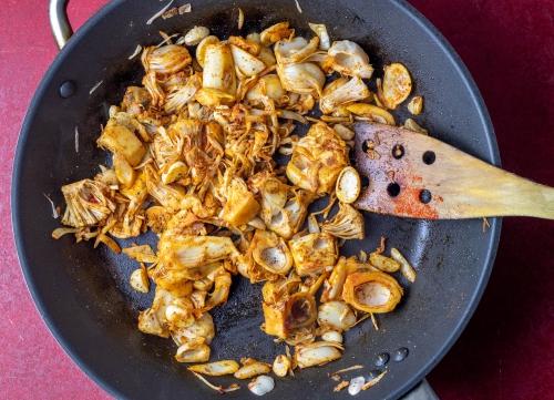 Jackfruit-Chicken braten