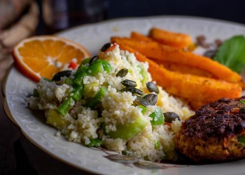 Frischer CousCous-Salat