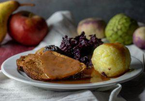 Mit fruchtigem Apfel-Rotkohl