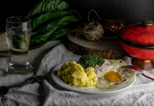 Spiegelei mit Kartoffelbrei und Spinat