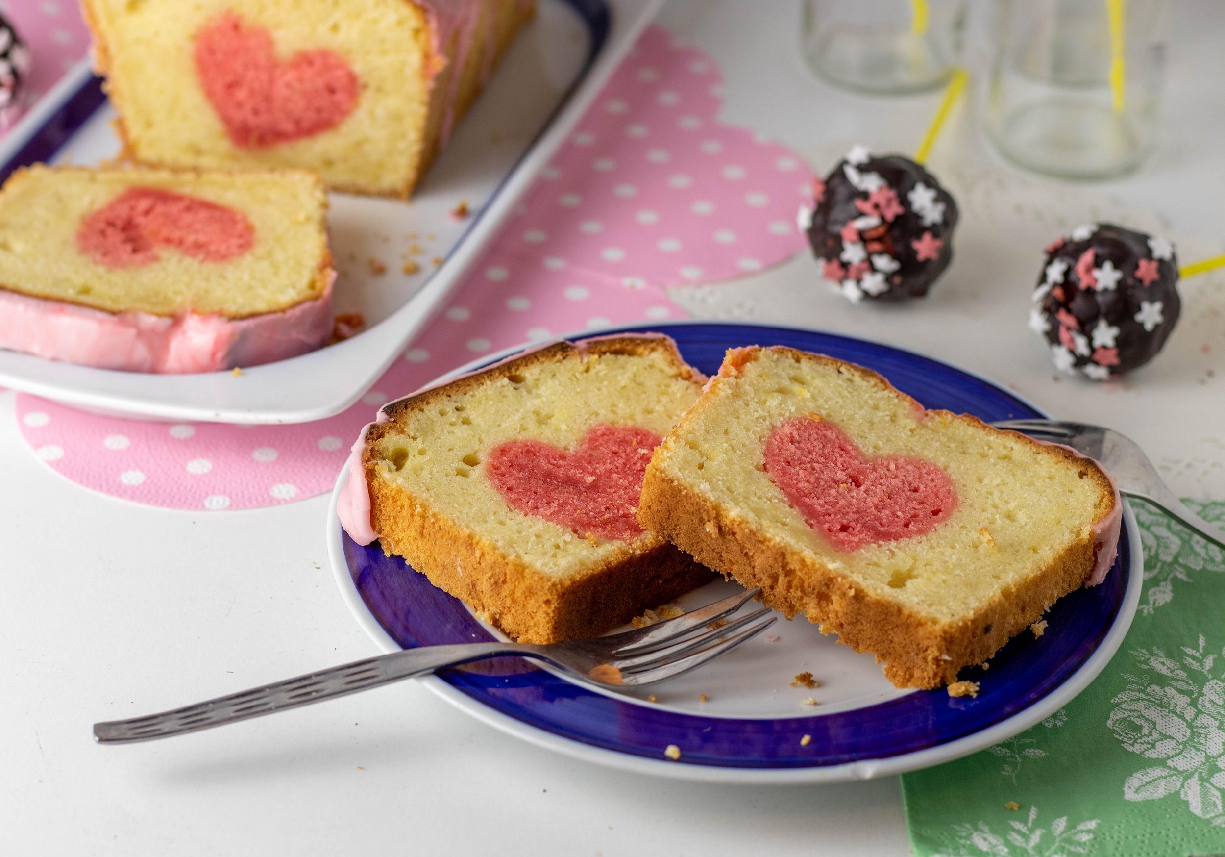 Zitronenkuchen Mit Herz Und Cake Pops Dailyvegan