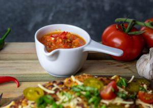 Mit selbstgemachter Tomaten-Salsa