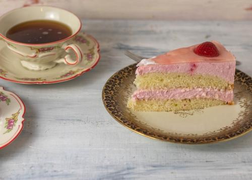 Erdbeer-Holunder-Torte, sommerlich lecker