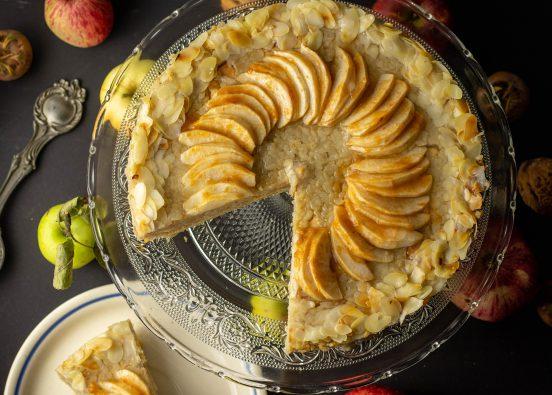 Milchreis-Apfel-Kuchen mit Mandeln