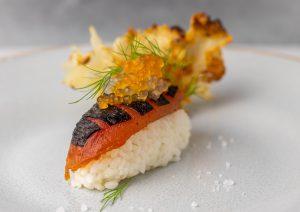 Thunvisch mit Ingwer- und Meereskaviar an gebratenem Silberohr