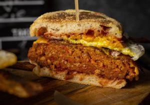 Saftiges, veganes Burgerfleisch
