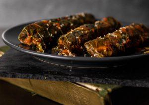 Schwarzkohlröllchen mit würziger Bulgur-Pilzfüllung