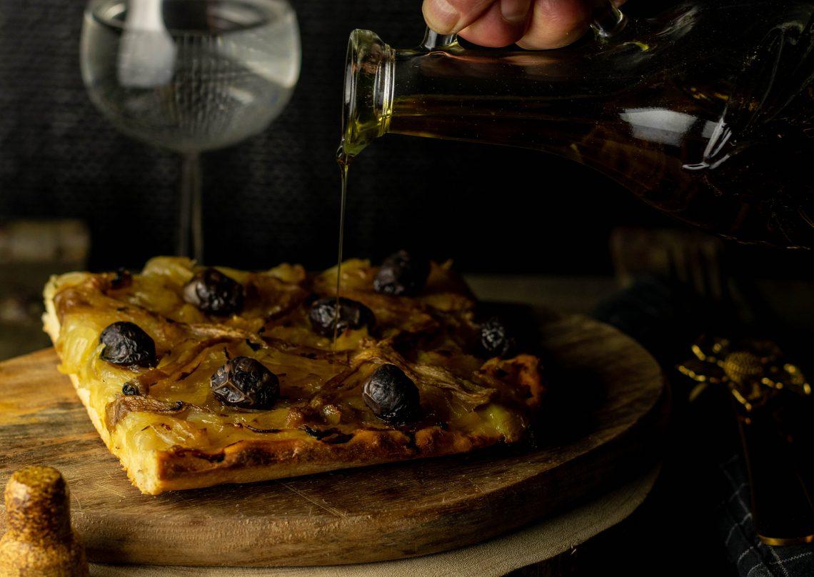 Pissaladiere - französische Sardellen-Zwiebeltarte - vegan