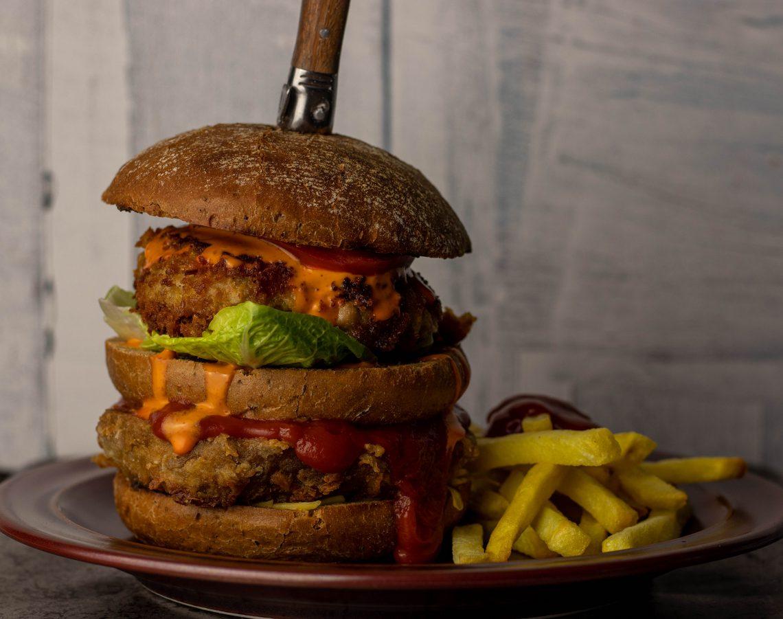 Double No Chicken Burger - Mit Jackfruit und Seitan Patty