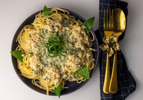 Limetten Bärlauch Spaghetti mit Macadamia Parmesan