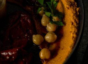 Hummus - aus gekochten Kichererbsen