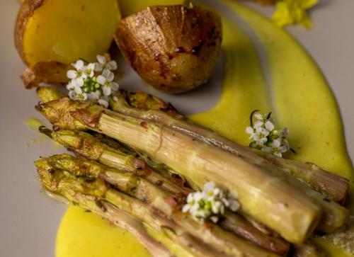 Harmoniert mit der leichten Süße der Kartoffeln: Japanischer Knöterich