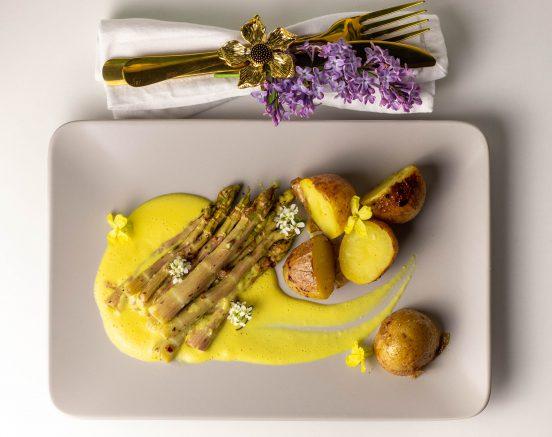 Japanischer Knöterich, Sauce Béarnaise, karamellisierte Kartoffeln