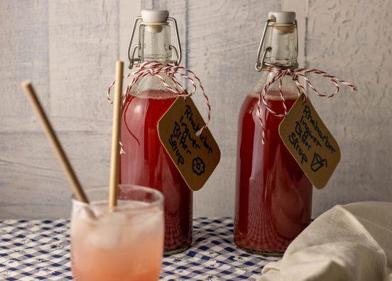 Rhabarber-Ingwer-Bitter-Sirup, für die beste Sommerbrause