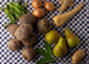 Obst, Genmüse, Kräuter - alles für die Suppe