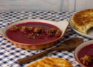Fruchtige, erdige Rote Beete Birnen Suppe