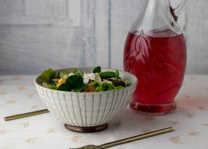 Als Essig-Öl-Dressing zu knackigem Salat