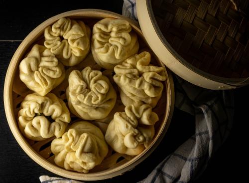 Frisch aus dem Dampfbad: Baozi, chinesische Hefetaschen