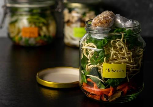 Mittwoch: Ramen Suppe fertig für den Kühlschrank