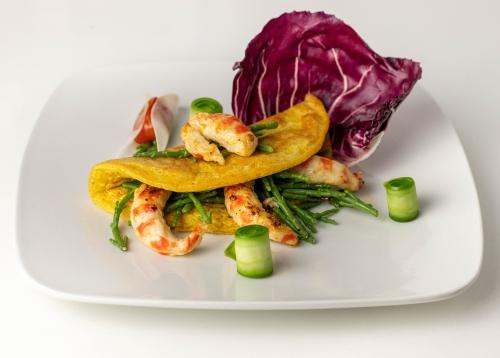 Frisches, veganes Omelette