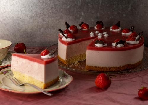 Vegane Erdbeersahnetorte
