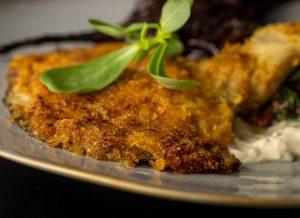 Austernseitlingsschnitzel mit krosser Röstzwiebel-Cornflakes-Panade