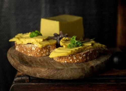 Moxshire Käse - würziger veganer Käse