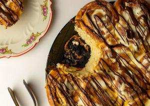 Erdnussbutter, Karamellsauce und Schokolade