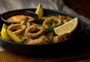 Calamari regional und saisonal aus Kräutersaitlingen